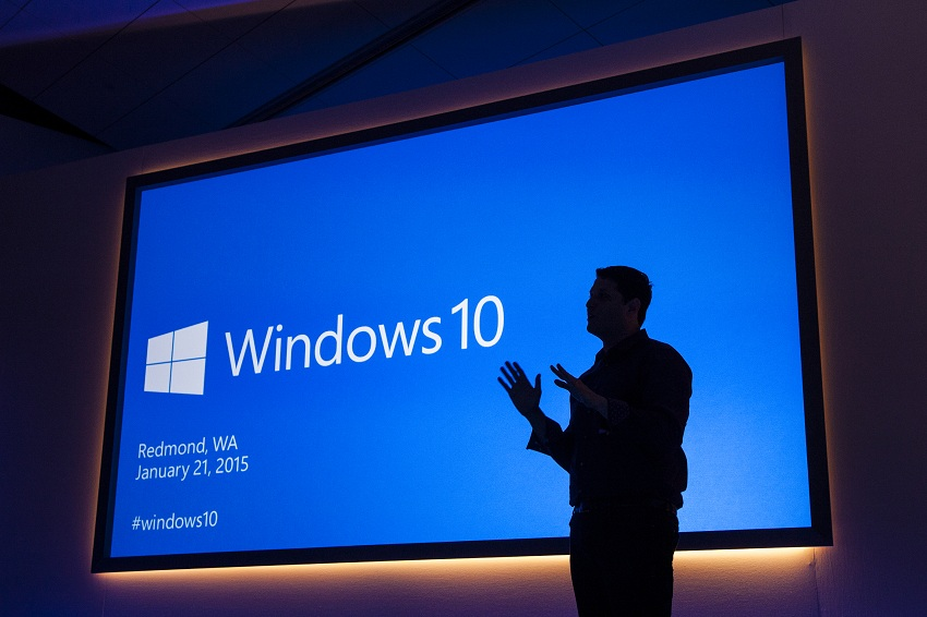 Positive and Negative Reactions to Windows 10 Release